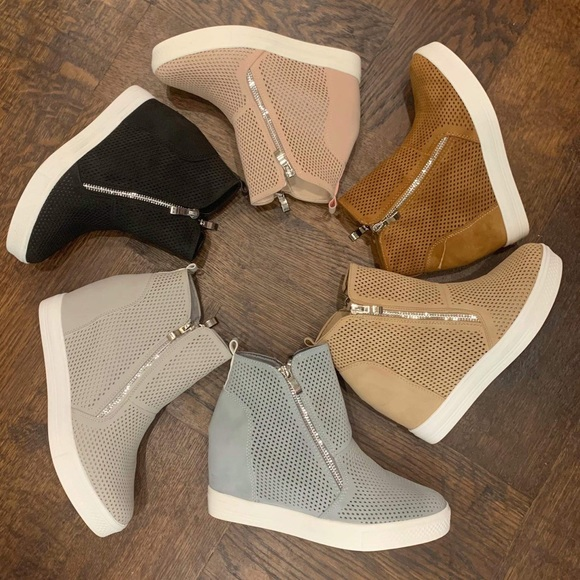 Nwt Boutique Charlotte Wedge Sneaker
